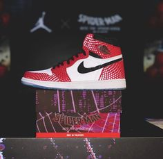 "bf03e4f87e4 Air Jordan 1 ""Origin Story"" Spider man Into The Spider-Verse collab"