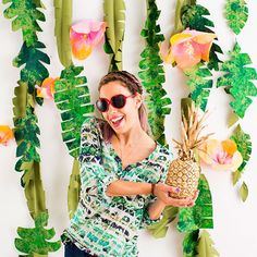 Tropical photo backdrop - summer and tropical party idea