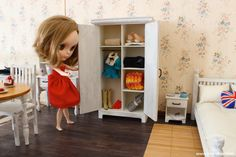 Doll Wardrobe closet in 1/6 scale (Blythe, 12'' Fashion Royalty dolls, Pullip, Obitsu, BJD, YOSD, Barbie, Momoko, Bratz, etc.). Shabby Chic style.