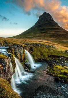 ✯ Kirkjufell or the Church Mountain, near Grudarfjordur, Snaefellness peninsula, Iceland
