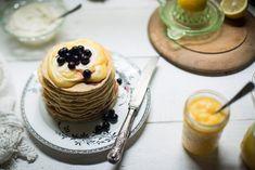 Lemon Poppy Seed Pancakes with Lemon Curd and Mascarpone Yoghurt Recipe Lemon Curd, Pancakes, Sweet Treats, Cheesecake, Seeds, Brunch, Poppy, Pudding, Cooking