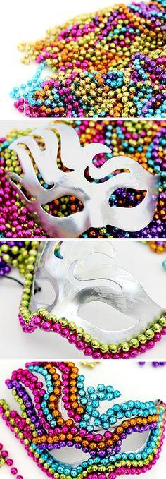 DIY Beaded Mardi Gras Mask | Learn How To Make A Festive Mask With These 7 Easy DIY Mardi Gras Masks Tutorials by DIY Ready at http://diyready.com/7-diy-mardi-gras-masks-diy-tutorials/