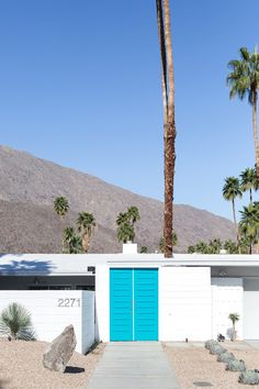 Turquoise door. Yes