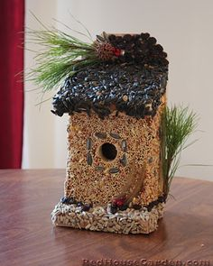 How to make an edible birdhouse -- this is so awesome, the girls loved making them, and it was tons of fun!