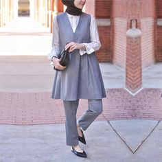 Office Look Formal Hijab - Office Street Hijab Fashion, Muslim Fashion, Modest Fashion, Fashion Outfits, Womens Fashion, Suit Fashion, Hijab Office, Winter Dress Outfits, Work Outfits
