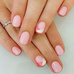 Unas hermosas uñas color nude que te harán ver muy bella