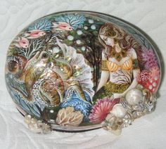 Gorgeous-Russian-Lacquer-box-Shell-Kholui-Mermaid-with-Octopus-Hand-Painted