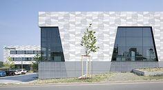 Metallonline - #FraunhoferInstitut #Bayreuth #OKASOLAR #OKALUX #Tageslichtlenkung
