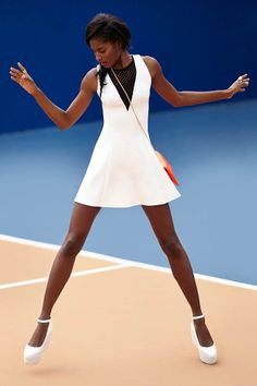 Hot Fuse Clutch, Feelin' It Platform Wedge - dress coming Sporty Chic, Sporty Style, Tennis Fashion, Sport Fashion, Look Fashion, Tennis Dress, Tennis Clothes, Nike Clothes, Melodie Monrose