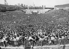 The 1977 Rolling Stones concert at Soldier Field..................