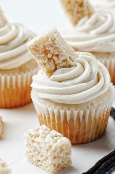 Vanilla Bean Rice Krispie Treat Cupcakes | Culinary Concoctions by Peabody.com