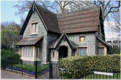 My ideal house: older but in good shape with tons of character and a fenced in yard.