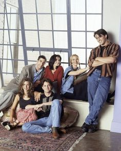 FRIENDS -- Season 1 -- Pictured: (back l-r) DAvid Schwimmer as Ross Geller, Courteney Cox as Monica Geller, Lisa Kudrow as Phoebe Buffay, Matt LeBlanc as Joey Tribbiani (front l-r) Jennifer Aniston as Rachel Green, Matthew Perry as Chandler Bing -- (Photo by Reisig & Taylor/NBC/NBCU Photo Bank via Getty Images)