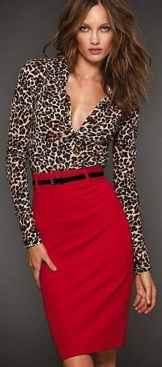 Red pencil skirt and leopard top. Need this as a teacher outfit! Especially that red pencil skirt! Red Skirts, Red Skirt Outfits, Maxi Skirts, Dressy Outfits, Chic Outfits, Summer Outfits, Mode Outfits, Looks Style, Work Attire