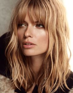 Love Long hairstyles with bangs? wanna give your hair a new look? Long hairstyles with bangs is a good choice for you. Here you will find some super sexy Long hairstyles with bangs, Find the best one for you, Medium Hair Styles, Short Hair Styles, Hair Medium, Medium Cut, Medium Long, Long Hair Fringe Styles, Mid Length Hair Styles With Layers, Medium Waves, Layered Hair With Bangs
