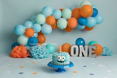 little monster theme blue and orange cake smash photography Birthday Decorations, Birthday Party Themes, Birthday Ideas, Baby Birthday Cakes, Boy Birthday, Smash Cakes, Cake Smash Photography, Theme Parties, Dean