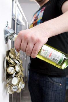 Verrückter Wand-Flaschenöffner / Bier-Flaschen-Öffner mit Magnet-Falle: Amazon.de: Küche & Haushalt