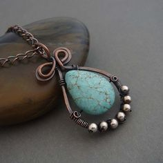 Love the teardrop shape and color combo
