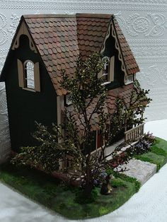 Arthur Dollhouse by Tracy Topps | by minis on the edge
