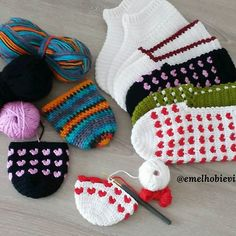 PATİK DÜNYASI & HANDMADE SOCKS (@emelhobievi) | Instagram photos and videos Crafts For Teen Girls Room, Crafts For Teens, Crochet Boots, Crochet Slippers, Bow Pattern, Diy And Crafts Sewing, Craft Wedding, Sewing Stitches, Craft Videos