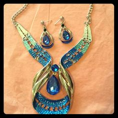 Necklace & Earrings Set Necklace and Earrings Blue and Silver very beautiful Accessories
