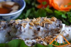www.vietnamesefood.com.vn/vietnamese-steamed-rice-pancake-rolls-banh-cuon