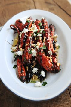 "Carrots with Goat Cheese, Pine Nuts & Balsamic Yum! // ""Oven-Roasted Carrots with Balsamic Butter, Goat Cheese & Pine Nuts"" Vegetable Recipes, Vegetarian Recipes, Cooking Recipes, Healthy Recipes, Gourmet Food Recipes, Gourmet Meals, Gourmet Cooking, Flour Recipes, Cooking Games"