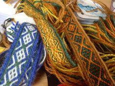 Hibernaatiopesäke: Matkalla Hallstattiin / On our way to Hallstatt Inkle Weaving, Inkle Loom, Card Weaving, Tablet Weaving Patterns, Finger Weaving, Thread Art, Decorative Trim, Fiber Art, Textiles