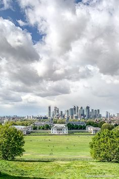 The view of London from Greenwich Park is beautiful. This guide to views of London will show you London views from Greenwich to Hampstead and beyond. The best views in London are great to see, from The Shard London views to London Eye night views. #views #london #greenwich Best Places In London, Day Trips From London, Things To Do In London, The Shard London, London View, British Slang, British English, Cool Places To Visit, Places To Travel