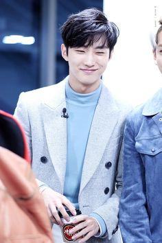 #JINYOUNG #B1A4 Jung Joon Young, Jin Young, B1a4 Jinyoung, Waifu Material, Kdrama Actors, The Vamps, Asian Men, Korean Actors, My Boys