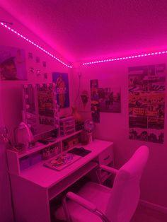 Indie Room Decor, Cute Bedroom Decor, Bedroom Decor For Teen Girls, Room Design Bedroom, Room Ideas Bedroom, Chill Room, Cozy Room, Pinterest Room Decor, Neon Bedroom