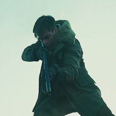 Chris Pine in action as Steve Trevor!