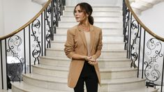 Victoria Beckham's Spring 2019 Collection Marks a New Chapter. The designer celebrated her anniversary with an intimate show for family and fans during London Fashion Week. London Fashion Weeks, New York Fashion, Tracy Anderson, Vogue Uk, Spice Girls, Brigitte Bardot, Grace Kelly, Only Fashion, Fashion Beauty