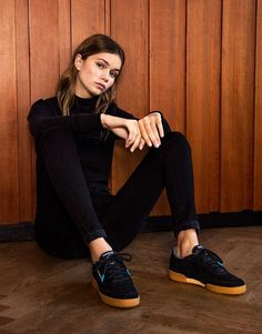 Reebok Club C 85 Indoor - Supplying girls with sneakers – Naked Reebok 85, Black Reebok, Reebok Club C, Reebok Outfit, Dorothy Shoes, Funny Shoes, Tomboy Fashion, Suede Sneakers, Street Style Women