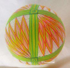 てまり「扇面菊」白地桃花 12cm 手まり 手毬 手鞠|その他インテリア雑貨|てまり - ねこ|ハンドメイド通販・販売のCreema
