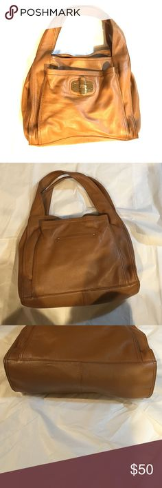 B. Makowsky light brown leather hobo purse nice Very nice B. Makowsky tan to light brown leather purse medium to large size gold hardware has a pocket for your phone and several other pockets a great organizational bag non-smoking home fast delivery at an excellent price it's in excellent condition b. makowsky Bags Hobos