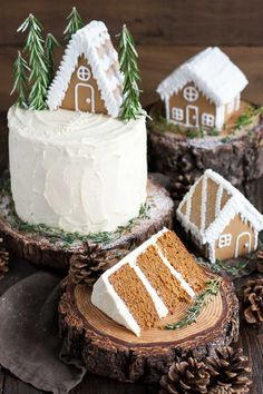 This Gingerbread Cake is perfect for the holidays! A moist and delicious ginger cake with a tangy cream cheese frosting. This Gingerbread Cake is perfect for the holidays! A moist and delicious ginger cake with a tangy cream cheese frosting. Holiday Cakes, Christmas Desserts, Christmas Treats, Mini Christmas Cakes, Autumn Desserts, Mini Desserts, Christmas Cookies, Holiday Baking, Christmas Baking