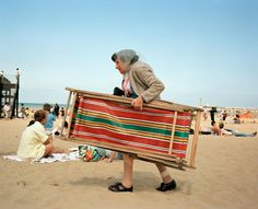 Martin Parr, Broadstairs, Kent, Great British Seaside - in pictures Martin Parr, British Beaches, British Seaside, British Summer, Magnum Photos, Beach Photography, Color Photography, Straight Photography, Photography Ideas