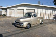 Custom 1952 Ford F-1