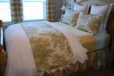How to Make Your Bed::Guest Post from Homes By Heidi-art of making your bed lux!