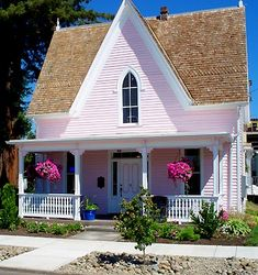 Beautiful Small Cottage House Exterior Ideas - Page 49 of 65 Little Cottages, Small Cottages, Cabins And Cottages, Beach Cottages, Little Houses, Country Cottages, Country Homes, Small Houses, Small Cottage Homes