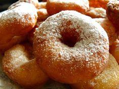 Воздушные пончики на кефире Знакомый с детства вкус и аромат этой бесподобной выпечки способен вызвать бурю эмоций у ее поклонников. Приготовим?