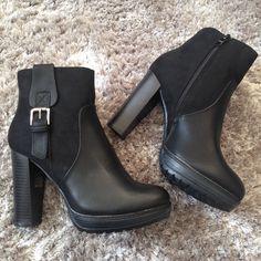 Bottines à talons Baskets, Rubber Rain Boots, Ankle, Shoes, Fashion, Knee High Boots, Sandals, Boots, Slipper Socks
