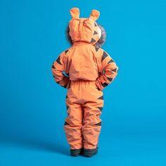 Kids Eco-Friendly Snowsuit - Tiger Themed - Dinoski. #dinoski #christmasgiftsfortoddlers #christmasgiftsforkids #holidaygiftsforchildren #christmaspresentsforkids Christmas Presents For Kids, Toddler Christmas Gifts, Kids Christmas, Christmas Present Inspiration, Kids Ski Suit, Dragons Den, Kids Skis, Snow Suit, Recycle Plastic Bottles