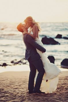 romantic beach wedding photo inspiration #beachWeddings #romantictravellocations
