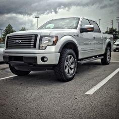 Leveled F150 FX4 on 35's Dream Car Garage, My Dream Car, Dream Cars, Ford F150 Fx4, F150 Lifted, Ford Trucks, Pickup Trucks, 2013 F150, Future Trucks