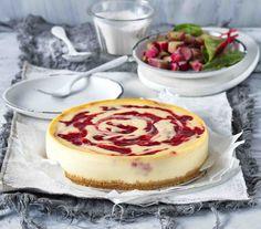 #dorty #cheesecake #rebarbora Pudding, Tiramisu, Cheesecake Brownies, Desserts, Food, Drink, Meal, Soda, Custard Pudding