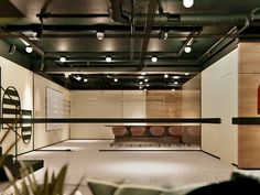 A youthful space full of energy. Office in Italy on Behance Italian Interior Design, Restaurant Interior Design, Shop Interior Design, Modern Restaurant, Cafe Design, Design Design, Shop Interiors, Office Interiors, Pub Decor