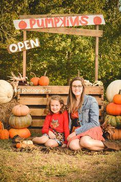 Fall mini session - Pumpkin Stand - Sisters