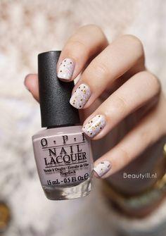 DIY Nail Art   Neutral Glitter Gradient